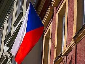 التشيك تطرد 18 دبلوماسياً روسياً