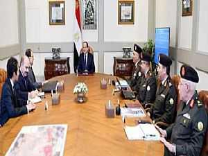 صور.. الرئيس السيسي يتابع معدلات تطوير شبكة الطرق القومية