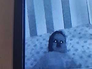 طفلهما غير طبيعي.. والدان يشتريان كاميرا مراقبة والنتيجة مرعبة.. صور