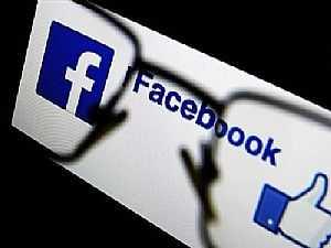صورة الخبر: فيسبوك تنفق ملايين الدولارات لمكافحة الأخبار الزائفة