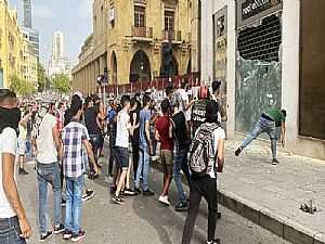 في لبنان بعد انهيار الليرة