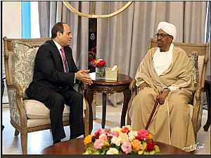 صور مغادرة الرئيس السيسى وقرينته مطار الخرطوم