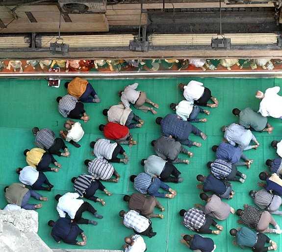 صور رمضان حول العالم Photos_B389636E-7148-4C0A-B648-2ABE0149D47A