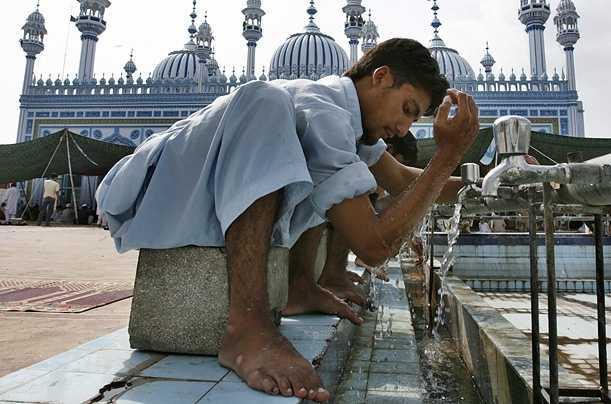 صور رمضان حول العالم Photos_E8BED3B8-B929-4E42-A7AB-EBE12842E3D1